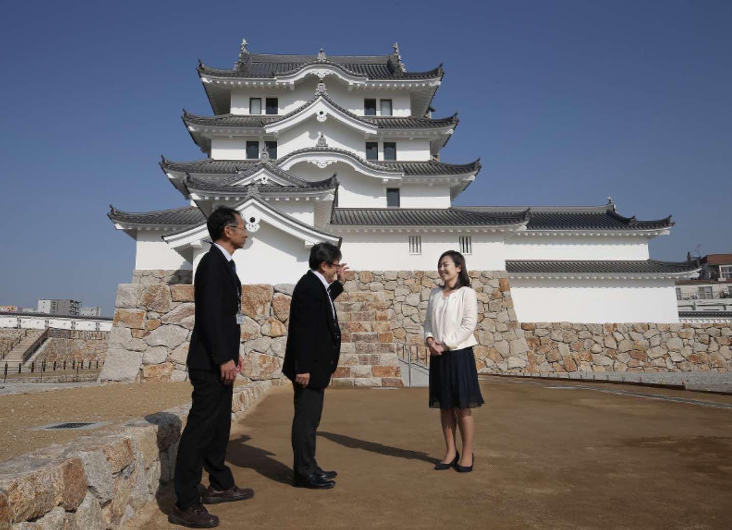 なんだかセットのような尼崎城築城、綺麗すぎじゃないか?