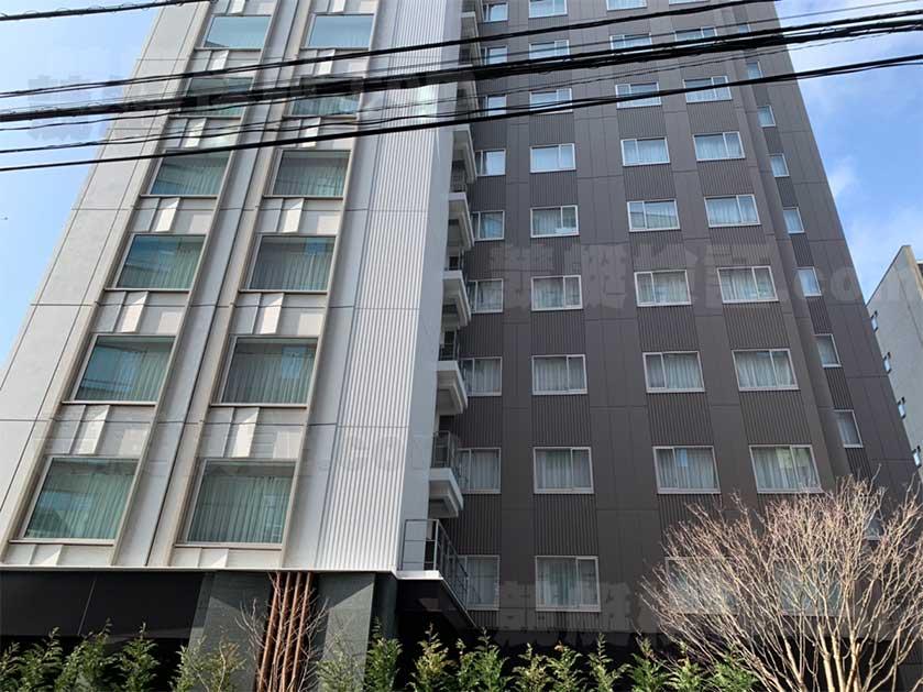 六本木の三井ガーデンホテル六本木プレミアの横から画像